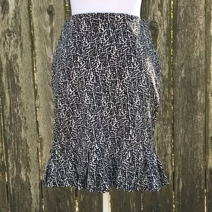 Anne Taylor Black & White Stretch Skirt Size 4